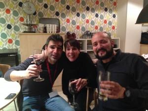 Los tres ganadores celebrando el premio